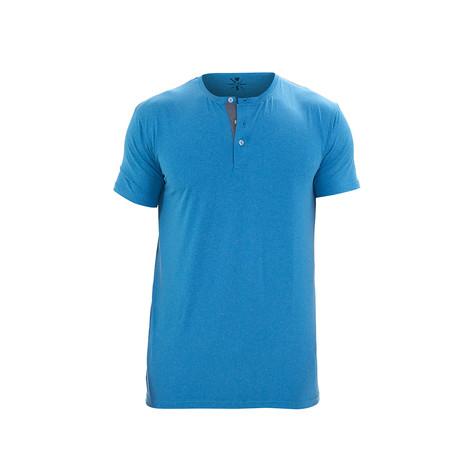 Revolution Short Sleeve Fitness Henley // Light Blue (S)