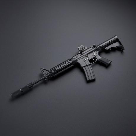 AR15 1:3 Scale Diecast Metal Model Gun + Display Stand // Black
