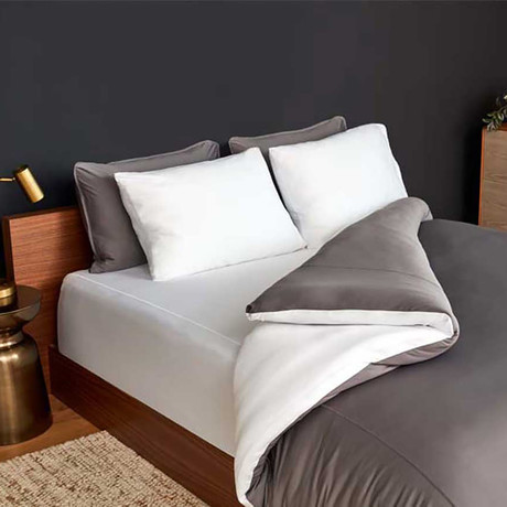 STUDIO TECH Bedding Set // Graphite + Bright White (Full/Queen)