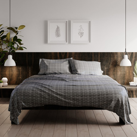 Urban Loft // 4-Piece Dotted Sheet Set // Gray (Full)
