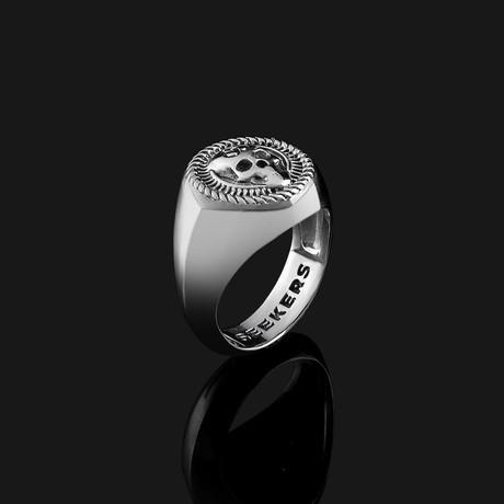 Skull Ring // Silver (8.5)