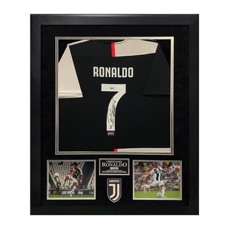 Cristiano Ronaldo // Juventus Jersey // Framed // Signed