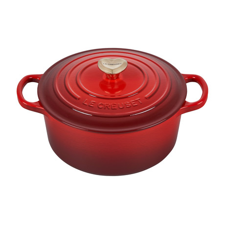 Round Dutch Oven + Heart Shaped Knob // 3.5 qt. // Cerise