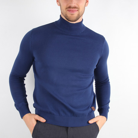 James Pullover Sweater // Blue (Medium)
