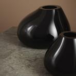Ebon Vase // Black (Medium)