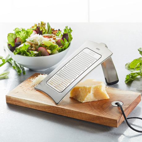 FORMAGGIO Gourmet Grater + Serving Tray