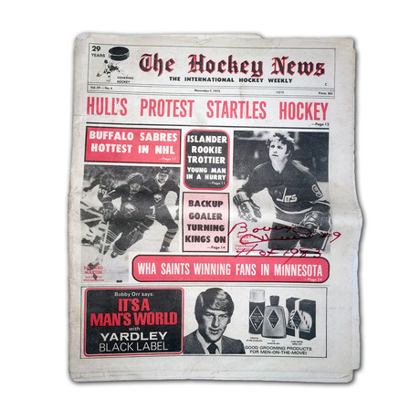 Bobby Hull // Autographed Hockey News // November 7 1975 // Chicago Blackhawks