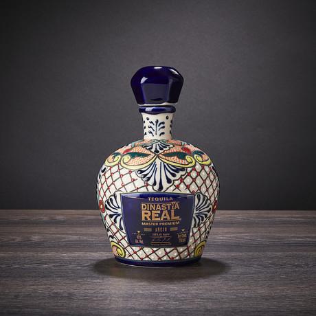 Master Premium Añejo Tequila Ceramic Bottle // 750 ml