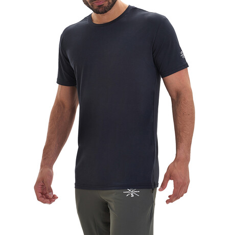 The Classic Active T // Black (S)