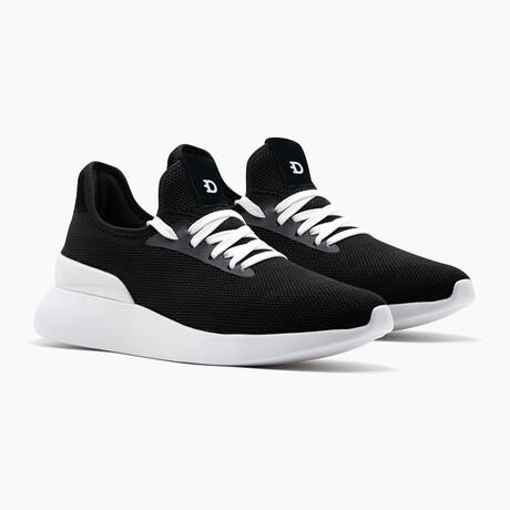 Duxs Runners // Black (US: 6)