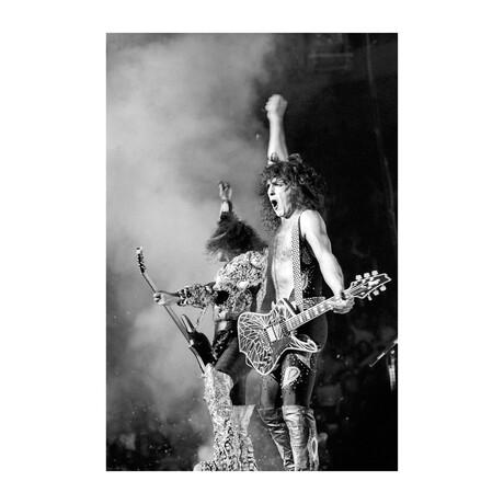 "'Kiss' Performing (16""W x 20""H)"