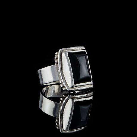 Lucifer Ring + Black Onyx Stone // White + Black (5)