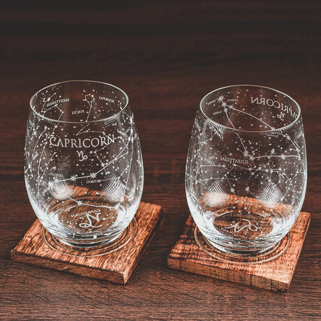 Astrology Etched Wine Glasses // Set of 2 // Capricorn