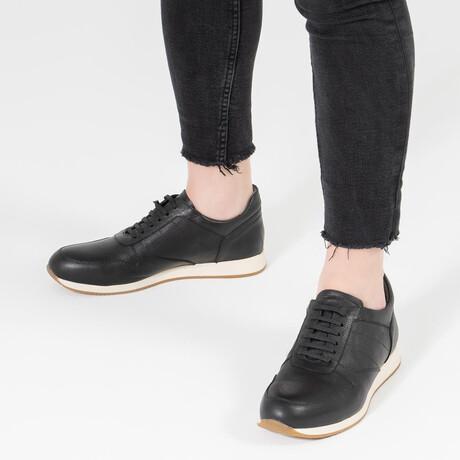 White Base Sport Sneaker // Black (Euro Size 39)