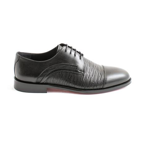 Tejada Lace-Up Dress Shoes // Black Pixel (Euro 40)