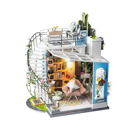 DIY Mini House// Dora's Loft