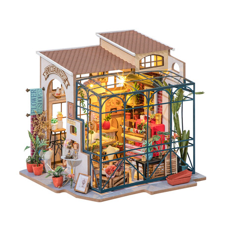 DIY Mini House// Emily's Flower Shop