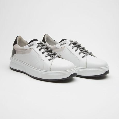 TT1663 Sneakers // White (Men's Euro Size 40)