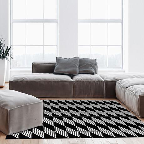 Black N White // Timothee Floor Mat (2' x 3')