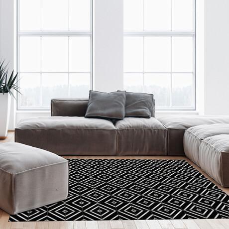 Black N White // Thierry Floor Mat (2' x 3')
