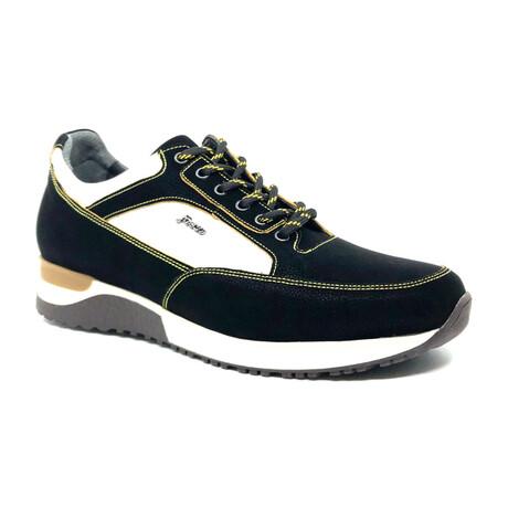 Rui Sneaker // Black (Euro: 39)
