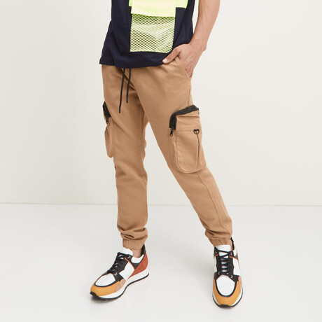 Exaggerated-Pocket Cargo Joggers // Beige (XS)