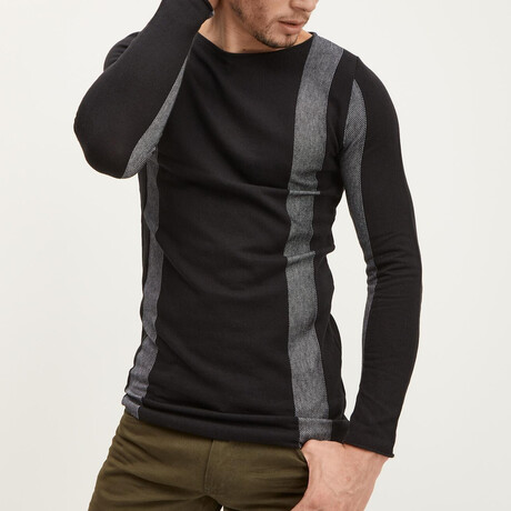 Elongated Contrasting Sweater // Black (XS)