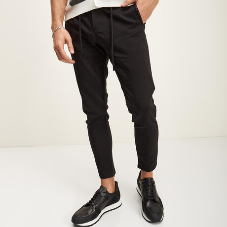 Relaxed-Fit Adjustable Travel Jeans // Black (28WX30L)