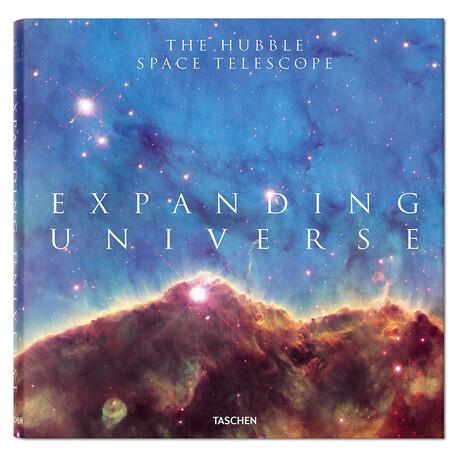 Expanding Universe // The Hubble Space Telescope