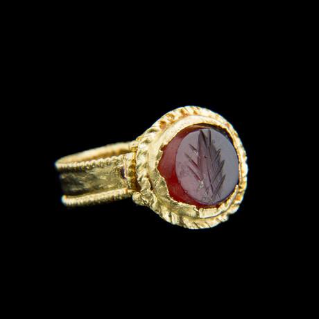 Roman Gold Intaglio Finger Ring // Ca. 100-300 Ad