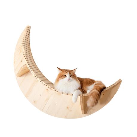 Luna // Wall-Mounted Cat Shelf