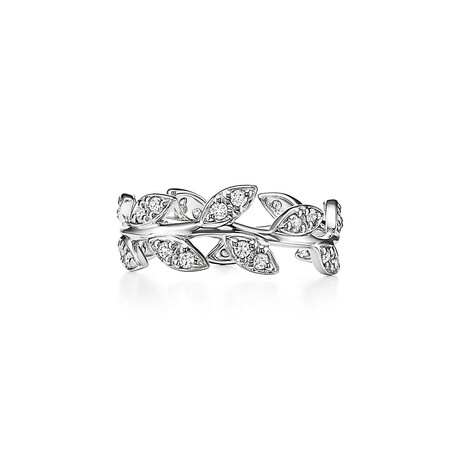 Ladies 18k White Gold + Diamond Olive Leaf Ring // Ring Size: 7 // New
