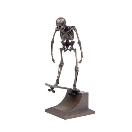 Skater Dropping In (Bronze)