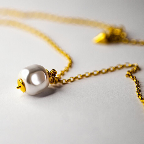 """Baroque Pearl Pendant Necklace // 15.7"""" // Gold Plated"""
