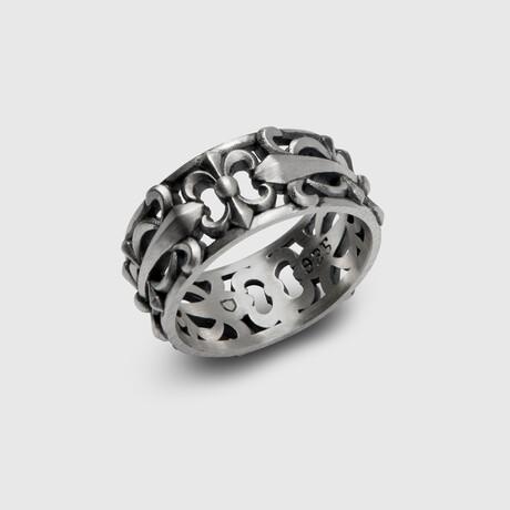 Spear Cross Ring // Silver (8)