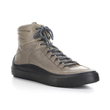 SAMU339FLY Sporty Chukka Sneaker // Gray + Black (EU Size 40)