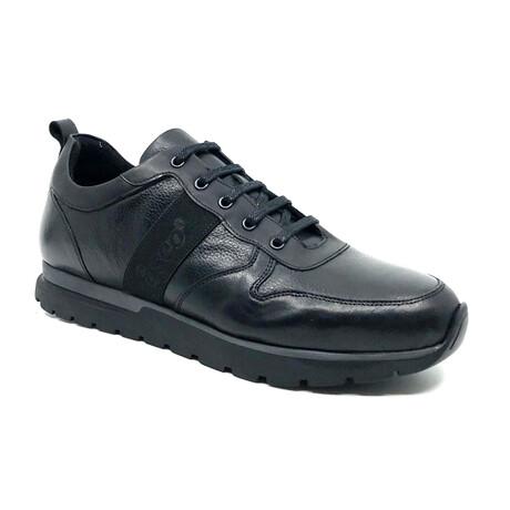 1555 Sneaker // Black (Euro: 39)