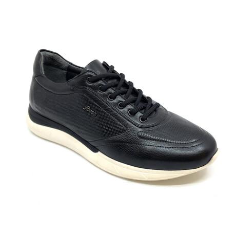 2088 Sneaker // Black (Euro: 39)