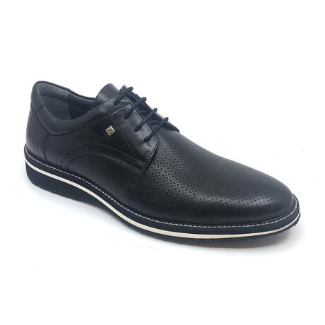 2106 Classic Shoe // Black (Euro: 39)