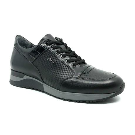 2006 Sneaker // Black (Euro: 39)