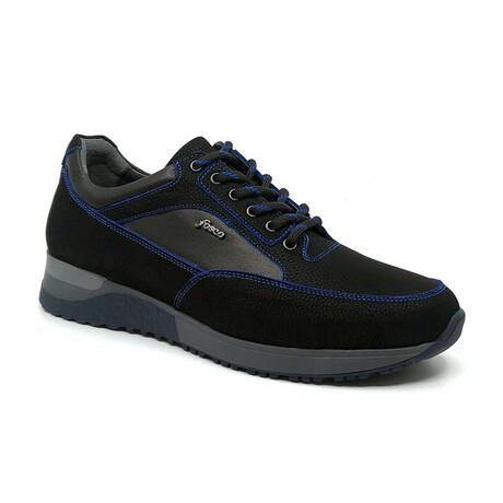2010 Sneaker // Black + Blue (Euro: 39)