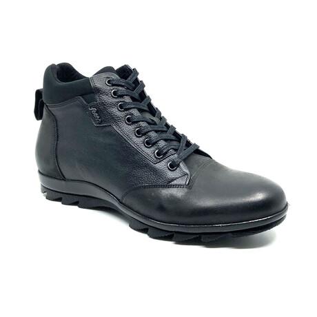 9519 Boot // Black (Euro: 39)