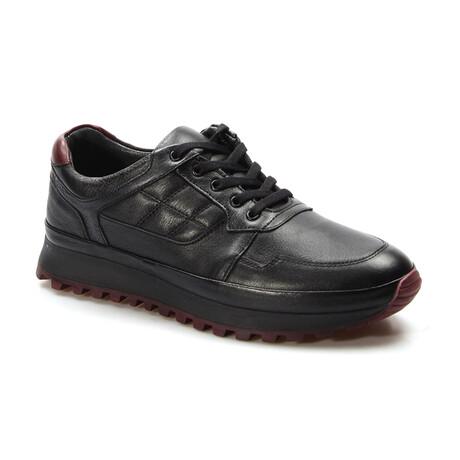 722MA420 Sports Shoes // Black (EU Size 40)
