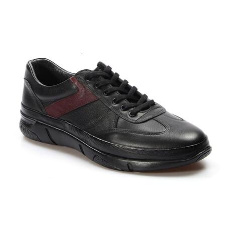 722MA364DUZ Sports Shoes // Black + Claret Red (EU Size 40)