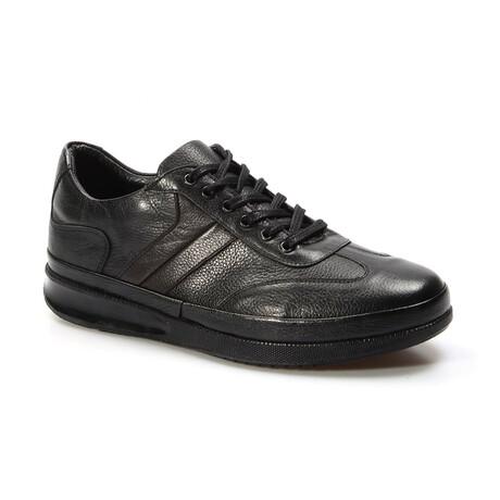 855MA650 Sports Shoes // Black (EU Size 40)