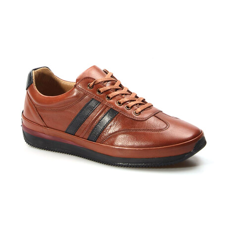 856MA1798 Sports Shoes // Tobacco + Navy Blue (EU Size 40)