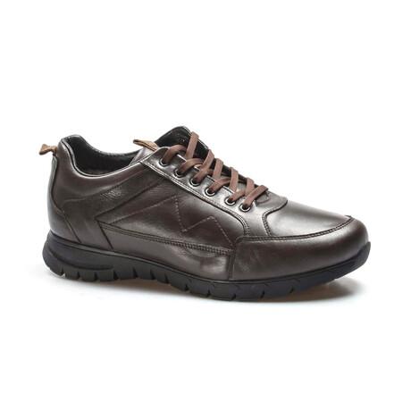 723KMBA2021 Sports Shoes // Brown (EU Size 46)
