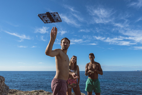 The Self-Flying Personal Photographer