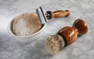Luxurious Wooden Razors + Accessories