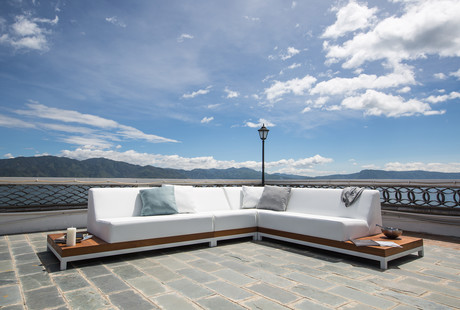 Elevate Your Rooftop Oasis
